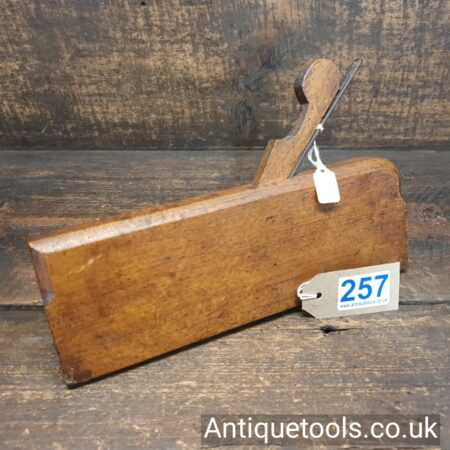 Lot: 257 Very Rare Complex Moulding Plane H.FreemaͶ