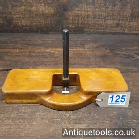 Lot 125 Vintage pattern maker's beechwood old woman's tooth hand router plane